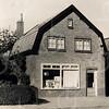 F4422<br /> De winkel van Van Rijn aan de Rusthofflaan.