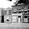 F4558<br /> De winkel van Barnhoorn, in dit pand wordt Foto Turk gevestigd. Foto: jaren '70.