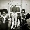 F2057<br /> Oranjefeest 1962. V.l.n.r.: Hans Wijntjes, Jaap Wijntjes en Dick Perfors jr. De drie jongens hebben zich voor de optocht verkleed.