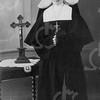 F4589 <br /> Cornelia Alida Waasdorp in de kledij van de St. Bernardus.<br /> Foto: ca 1930