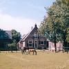 F1642 <br /> De boerderij Schoonewegen en manege van de fam. Ruigrok tegenover de Warmonderdam. Is geheel gerestaureerd en na het overlijden van dhr. Ruigrok in andere handen overgegaan. Foto: 2001.