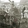 F2289<br /> Feest op het gemeentelijk sportveld Sporthoff aan de Rusthofflaan. Foto: 1945.