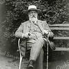 F0619b <br /> Foto van Jan Adam Charbon, geboren te Amsterdam 27-2-1827, overleden  te Sassenheim 12-8-1916. Hij huwde op 25-11-1862 te Havelte met M.A. van der Vlies (zie foto F0619a). Foto: begin 20ste eeuw.