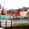 F4284<br /> De afbraak van enkele huizen aan de Zandslootkade. Ook de huizen in de Hein Baderstraat en de Tijloosstraat zijn grotendeels gesloopt. Foto: september 2003