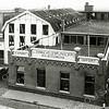 F1410 <br /> Het bekende bloembollenbedrijf van Zonneveld & Philippo (Z & P) aan de Hoofdstraat. Uiterst links de schuur van Baartman & Koning (B&K).  Hier staan nu de huizen aan de Koningstraat, waarvan de achtergevels aan de Hoofdstraat te zien zijn.<br /> <br /> .