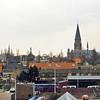 F1016 <br /> Gefotografeerd vanaf de bollenschuur achter Twin's Home. We zien de torens van drie kerken en het gemeentehuis.