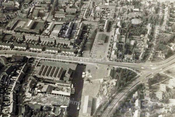F3640 <br /> Een luchtfoto van de Parklaan en de Oosthaven.Foto: 1960