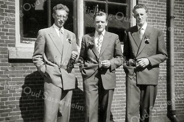F2673<br /> Bert Smit, Arie Hoogervorst en Albert Smit.
