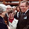 F3956<br /> Prins Claus komt 31 augustus 1978 naar Sassenheim om de eerste steen voor de bejaardenwoningen aan de Zuiderstraat te leggen en staat hier op de foto met mevrouw Roelandse en zuster Wilma Straatman (directrice Bernardus), achter haar is nog net wethouder Westerbeek te zien.