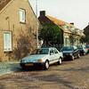 F1349c <br /> Een foto van een deel van de Charbonlaan. Samen met de Westerstraat en de Jacoba van Beierenlaan werd er een vierkant gevormd. Ook de huizen links hoorden bij de Charbonlaan. Nu staat hier de Gildehof. Inmiddels is dit deel van de Charbonlaan onderdeel van de Willibrorduslaan geworden.