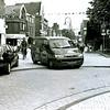 F2463<br /> De Hoofdstraat, met rechts de J.P. Gouverneurlaan en het Park Rusthoff. Foto: 2000.