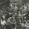 F3486<br /> Militairen (eerste wereldoorlog) in de ruïne van Teijlingen. Foto: ca 1914