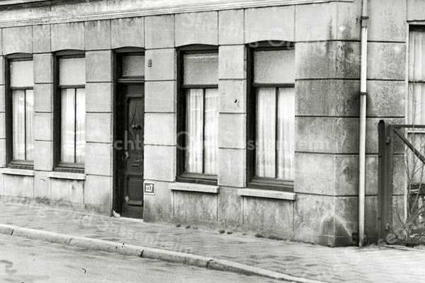 F1370b <br /> Het woonhuis van de fam. Melman aan de Hoofdstraat 244, afgebroken in 1979.