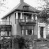 F0714 <br /> Villa Anny Home van de familie Leo van Reisen aan de Teijlingerlaan 53, gebouwd in 1925 door aannemer Kiebert. Foto: ca. 1925.
