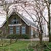 F4294<br /> Boerderij 'Laag Teylingen', gezIen vanaf de Pukjeslaan (Frank van Borselenlaan) te Voorhout. Foto: 2004