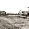 F3961<br /> De situatie eind jaren veertig; de brug over de Sassenheimervaart is er nog niet. De Beukenlaan is nog onverhard en buigt rechtsaf naar de Adelborst van Leeuwenlaan (eerst nog Verlengde Kerklaan, later Iepenlaan). De huizen rechts zijn nu Parklaan nrs. 148–154. Op de achtergrond het gebouw van gemeentewerken, met het woonhuis (nu Parklaan 176). Links op de foto de Molenstraat, met aan de rechterzijde het woonhuis dat nu het adres Parklaan 101 heeft. In het midden de wijk Ter Leede.