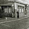 F2724<br /> De Oude Post aan de Hoofdstraat. Foto: jaren '30.