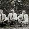 F1599 <br /> De uitgaansdag van de leden van de diaconie van de geref. kerk te Sassenheim.<br /> V.l.n.r.: Rinus Moolenaar; Peter Vis en Leen van der Kwaak. Foto: begin jaren '50.