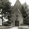 F2409<br /> De Havenkerk, de chr.-gereformeerde kerk op de hoek van de Kerklaan en de Bijweglaan.