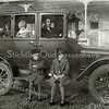 F2224<br /> Arnoldus Petrus van Rijn in zijn T-Ford. Op de treeplank zitten zijn dochters An en Jo van Rijn. Achter Arnoldus zit zijn zoon Piet van Rijn en daarachter zit Adri Elst, de zoon van poitieagent Elst.