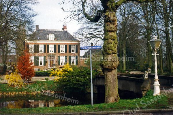 F0511 <br /> Het Oude Koningshuys (rijksmonument) aan de Wilhelminalaan, zoals het er in 1999 uitzag. Na 2000 is het tot 2016 bewoond geweest door de fam. B. Romeijn. Foto: 1999.
