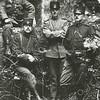 F3483<br /> Militairen (eerste wereldoorlog) in de ruïne van Teijlingen. Foto: ca 1914
