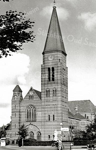 F0598 <br /> St. Pancratiuskerk aan de Hoofdstraat. Foto: begin jaren '60.