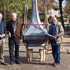 F4423<br /> Van links naar rechts: Jan Willem Hesselink (kerkbestuur), koster Dick IJsselmuiden en Piet Langeveld (SOS) met koker bij de ui van de kerk waar het kruis op wordt geplaatst.<br /> Stichting Oud Sassenheim heeft bij de restauratiewerkzaamheden aan het kruis van de St. Pancratiuskerk te Sassenheim een koker geplaatst met wetenswaardigheden over de kerk. SOS-bestuurslid Piet Langeveld heeft hiertoe het initiatief genomen. Hij heeft een koker laten bevestigen in de ui van het kruis. In de koker zitten tekeningen en foto's van de huidige en vorige Pancratiuskerk, de geschiedenis van de gestolen klokken en diverse krantenknipsels. Ook een brief van pastoor Owel is de koker in gegaan