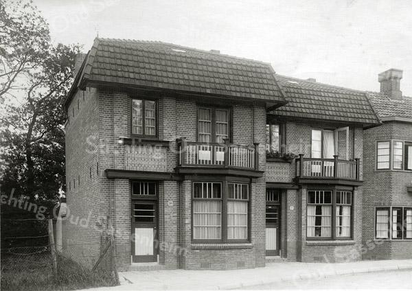F0847 <br /> Collectie Oudshoorn 099: Charbonlaan 9 en 10. <br /> Foto: vóór 1921.