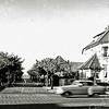 F0449b<br /> Huize Sunbeam (bouwjaar 1910, architect Jesse), woning van huisarts H. Moerman, aan de Hoofdstraat nr. 155 op de hoek van de Julianalaan. Voorheen bewoond door dokter J.M. van Nes en eerder door de fam. Philippo. De villa is destijds gebouwd voor de familie J.W. Koning Pzn.