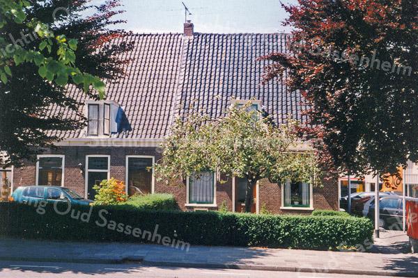 F0159 <br /> Hoofdstraat 127 en 129, gelegen aan de Hoofdstraat. Het vooraanzicht. Foto: 1996.