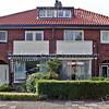 F2723<br /> In deze panden bevond zich vroeger het kantoor van Otto. Links het woonhuis en rechts het kantoor.