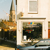 F2007<br /> De fietsenwinkel van Piet v.d. Geest in de Fl. Schoutenstraat. Foto: 1996