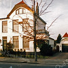 F2899<br /> Villa Bijdorp aan de Hoofdstraat nr. 151, gebouwd in 1902. Volgens het boekje Sassenheim in grootmoeders tijd heeft de fam. Frijlink er lange tijd gewoond, later de fam. Otto. Foto: 1992.
