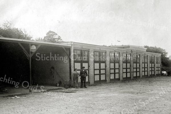 F0866 <br /> Collectie Oudshoorn 104: opslagplaats Molenstraat. (Zie ook foto F0824). Nu Willem Warnaarhof. <br /> Foto: vóór 1921.<br /> .