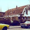 F0282 <br /> Het woonhuis en de bollenschuur van Voorsluys aan de J.P.Gouverneurlaan, gebouwd in 1913 en gesloopt in 1979. Daarna was daar het LTB Accountantskantoor gevestigd en nu (2016) is daar het notariskantoor De Ruijter. Op de achtergrond de toren van de r.-k.kerk St.Pancratius.  Foto: 1979.