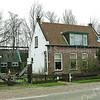 F2401<br /> Het huis van de familie Minke aan de Rijksstraatweg nr. 16. Sinds 1940 woonde hier C. Ouwehand (kantonnier Rijkswaterstaat) tot 1986. Daarna werd het huis tot 2011  bewoond door de fam E. Minke. Sinds 1 juni 2011 heeft dhr. M. van de Ven het woonhuis met kaveltje weiland gekocht van de erven Minke. Foto: 2011.