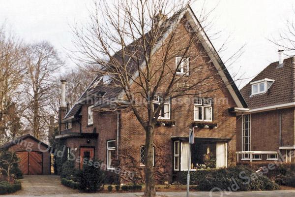 F2680<br /> Het woonhuis (Sundew) van de fam. Zuilhof, aan de Wilhelminalaan.