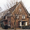 F2680<br /> Villa Sundew van de fam. Zuilhof, aan de Wilhelminalaan. Later tot 2015 ook bewoond door de fam. Van Elburg. Ook A.M. Arentshorst heeft er jaren gewoond.  De naam 'Sundew' is afkomstig van de naam van een tulp.  De huidige eigenaar heeft deze oude tulpensoort weten te bemachtigen en die in de tuin geplant.