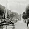 F0434 <br /> De Oude Haven ca. 1890. Gezicht in noordelijke richting. Links de toenmalige Hoofdstraat. Op de achtergrond een pandje in de Kastanjelaan. Foto: 1895.