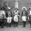 F4002 <br /> Het Onafhankelijkheidsfeest op 18 september 1913. Vlnr: J. Bergman (prof. Brugmans, vertrouwde van keizer Napoleon); A. Hulsbosch (generaal de la Rochefaucould; C.J. Speelman (Napoleon); Anton le Clercq (generaal Dupont) en J. van Zonneveld (maarschalk Berthier). Zie pag. 40 van het boekje 'Kent U ze nog..de Sassenheimers' van A.M. Hulkenberg. Foto: 191