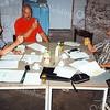 F1812 <br /> De eerste bestuursvergadering van de stichting De Molen van Sassenheim op 20 augustus 1998 in de molen. Aanwezig waren: R. Heppener (links), A.M. van der Elst (midden), J.D.F. Hardenberg (rechts) en J.E. van Teylingen (niet op de foto).