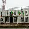 F2403<br /> De bouw van een nieuw pand aan de Madame Curiestraat te Sassenheim naast het bedrijf van Herruer. Foto: 2011.