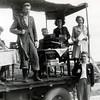 F4517<br /> Bevrijdingsoptocht. Foto: 1945.<br /> Jopie Buijs, Siem Eikelenboom, Cor Husken, Niek van Leeuwen, Piet v.d. Lip en Perfors staan op de foto.