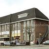 F3861<br /> Het Sociaal Cultureel Centrum 't Onderdak met rechts de theaterzaal