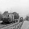 F3770<br /> Het verwijderen van de tramrails. Achter de tram zijn de rode beuken van Twin's Home te zien. Foto:1950.