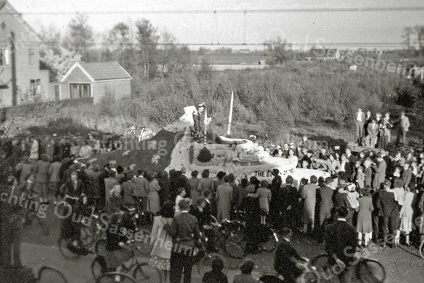 F0625c <br /> Bloemencorso. Foto: 1948-1950.