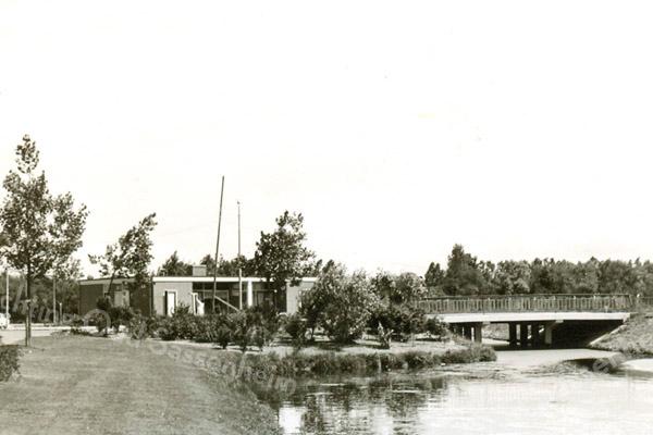 F3391<br /> De brug tussen de Tulpenstraat en de Vijfmeiweg.