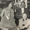 F3719<br /> De familie Vis. Links zittend: C.L. Vis met naast hem Petronella Vis Karstens. Links staand: n.b.; J.P. Vis.