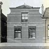 F0817 <br /> Aan de westkant van de Hoofdstraat werd in 1900 door J.P. Oudshoorn dit pand gebouwd voor M.J. van Breda. Foto: vóór 1921.<br /> <br /> Collectie Oudshoorn 021: burgerwoonhuis A. van Breda 1900. Hoofdstraat 213 volgens de oude nummering, nu nummer 291.